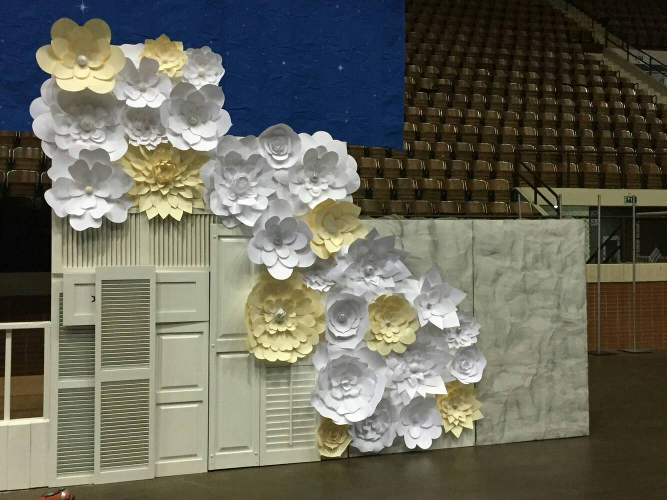 Paper Flowers Set Of 30 Cream And White Flower Wall