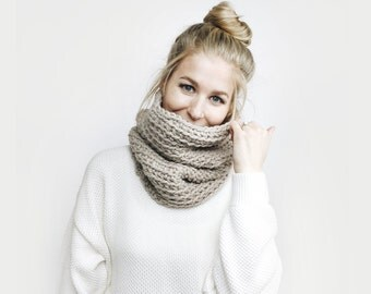Cowl Infinity Scarf, Chunky Knit ⨯ The L'Acul, Reversible ⨯ in LINEN