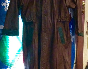 Vintage Pelle full length leather coat size Medium.