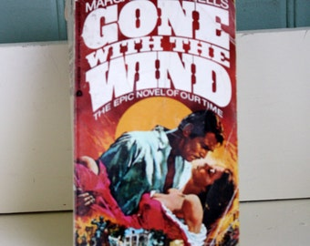 Vintage Gone With The Wind Avon Paperback Margaret Mitchell