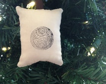Dr. Who Gallifreyan Symbol Doctor Christmas Ornament Whovian Tardis Time Lord Gallifrey Language
