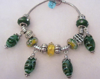 475 - CLEARANCE - Green and Gold Bracelet