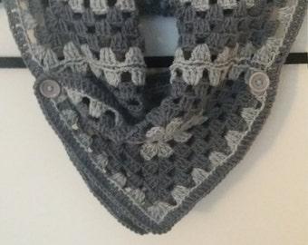 Crochet granny square neck-warmer
