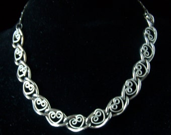 Awesome, Retro 1950's - 1960's Silver Tone Heart Choker/Particular Detail to the Hearts/Great Clasp Holder/Vintage
