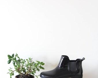 Vintage Rain Boots (size 8)