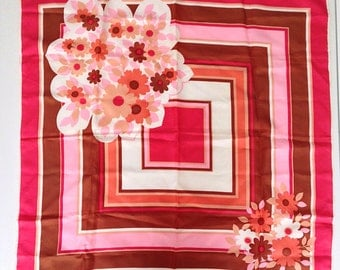 Vintage 70s Fuchsia, Pink and Beige Polyester Scarf geometric and floral print. Measurements 65 cm x 65 cm.