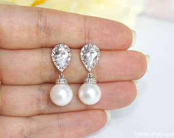 Pearl bridal earrings, Classic wedding jewelry, White round pearl drop earrings with Cubic Zirconia 925 sterling silver posts silver dangle
