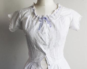 Vintage Edwardian Victorian Corset Cover / Victorian Edwardian Chemise / Antique Cotton Lingerie / Lace and Ribbon Trim