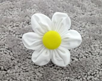 Daisy Puff Flower for Dog collar, Cat collar, collar flower, pet collar flower, wedding flower, flowers for dog collars