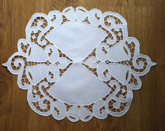 Polish Richelieu White Table Runner, Traycloth, Vintage Crochet Dresser Scarf, cutwork embroidery, Polish linen Wedding richelieu embroidery