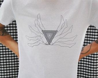 Man Tshirt White or Black  // Etnic // Size S