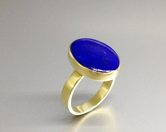 All time favorite classic ring with Lapis Lazuli and 18K gold - gift idea - solitaire ring - AAA Grade Lapis and solid gold - traditional
