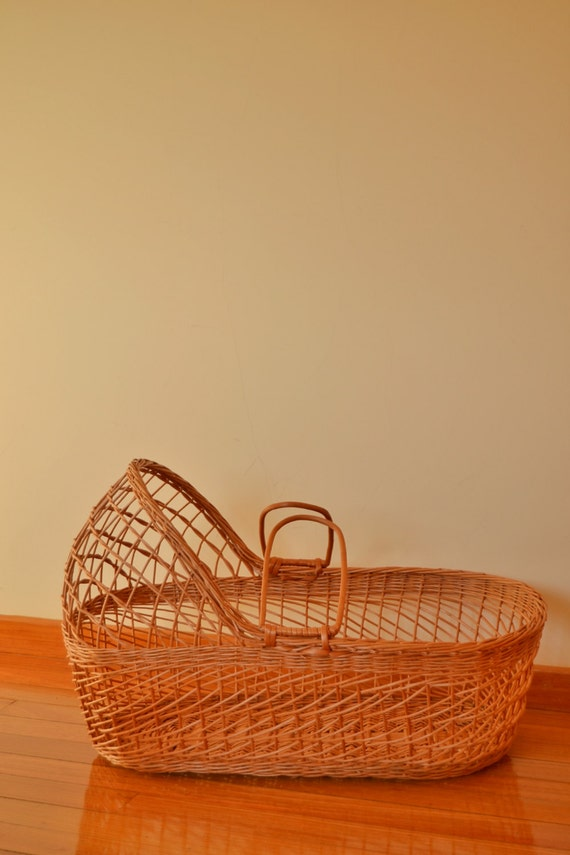Handmade Wicker Moses Basket : Retro wicker moses basket with headboard totally handmade