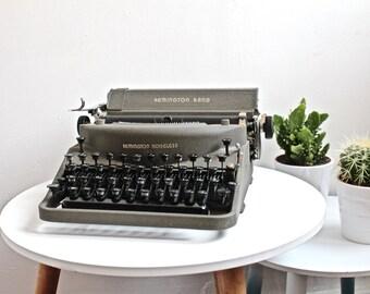 Typewriter Remington Rand Noiseless