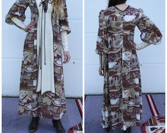 Rare Vintage 1960s 1970s Black Label Gunne Sax renaissance dress Feudalism print x-small small