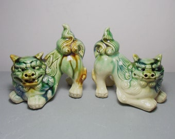 Vintage Pair of Foo Dogs/Ceramic Foo Dogs/Chinese Foo Dogs/Foo Dog Figurines/Green Foo Dogs/Chinese Guardian Lions/Chinese Decor/Asian Decor