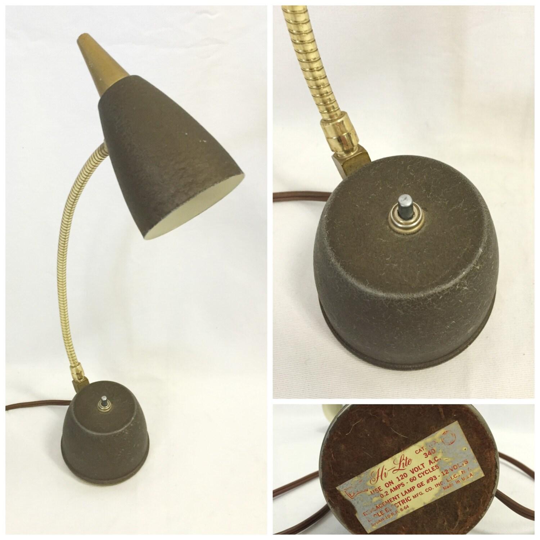 vintage mid century modern desk lamp atomic hi lite portable. Black Bedroom Furniture Sets. Home Design Ideas
