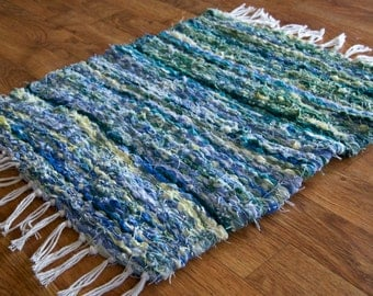 Peg Loom Rag Rug Green Blue Yellow 25 x17 inches including Fringe
