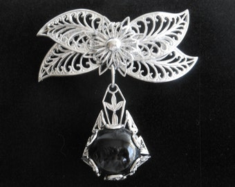 1980s Silver Filigree with Black Stone Brooch or Pin