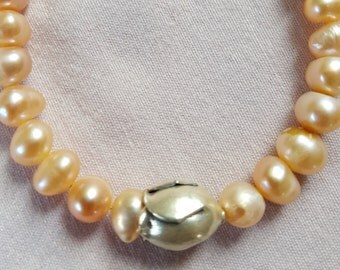 Salmon freshwater cultured pearl