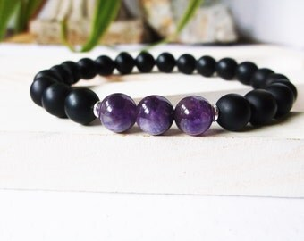 Mens amethyst bracelet with black onyx bracelet. For protection and spirituality. Yoga mala bracelet for men. Amethyst for men.