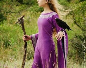 """Medieval dress """" Violet""""."""