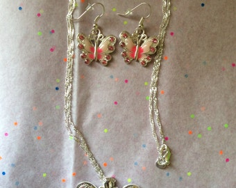 Matching necklace & earrings