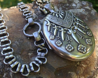 Victorian Sterling Silver Locket – Silver Locket – Victorian Locket – Victorian Necklace  – Antique Necklace - Locket – WhistlingGypsyVTG