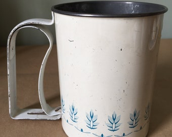 Vintage Androck Flour Sifter. Kitchenalia. 1940s. Vintage Kitchen Decor