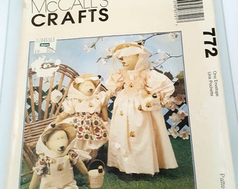 1996 McCall's Crafts 772 Beekeeper Bears Sewing Pattern Cut Complete