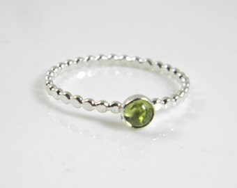 Peridot stacking ring,sterling silver ring, Peridot gemstone, handcrafted, promise ring, engagement ring, trending, minimailst, teen gift