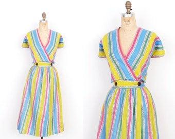 Vintage 1950s Dress / 50s Striped Cotton Squiggle Print Dress / Wrap Dress (Extra Large XL)