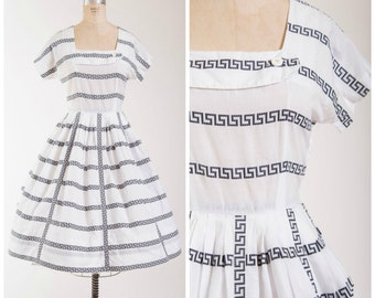 Vintage 50s Dress • Grecian Goddess • White Printed Cotton 1950s Day Dress Size Small