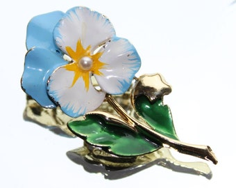 Blue & White Pansy Flower Vintage Brooch by Gerrys (c1970s) 0 Wedding