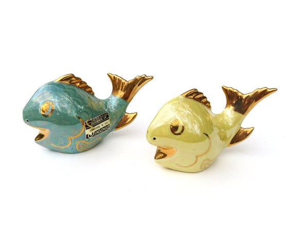 C1950 figural fish salt pepper shakers big gold trimmed for Fish salt and pepper shakers