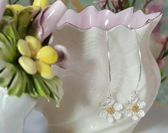 Daisy Earrings Silver - Flower Earrings Dangle - Gold Daisy Earrings - Daisy Jewelry - Flower Jewelry Gift - Floral Earrings Enameled E5310