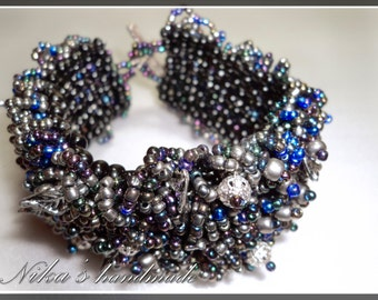 Handmade black and silver seed bead bracelet