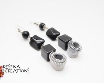 Orecchini Pendenti Cerniere Grigio Ghiaccio, Agate nere, Onice nere - Zipper earrings with semi-precious stones