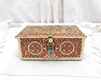 Vintage Chinese Inspired Red and Gold Colored Embossed Metal Tin with Tiny Working Padlock Manufactured for Outsider in Tourcoing France