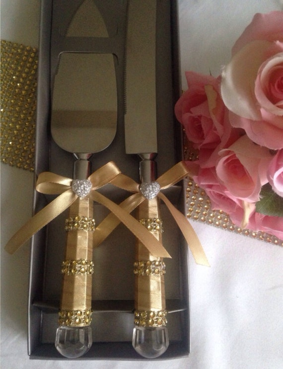 bling wedding cake cutting set gold satin amp rhinestone wedding cake serving set by joyeriauk 11924