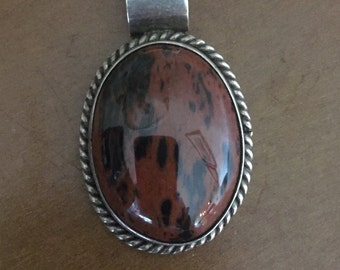 Breathtaking sterling silver and agate pendant