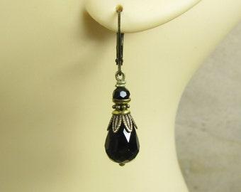 Earrings BLACK TEARS earrings brass bronze vintage style, small delicate but rich, black drops glass beads glitter