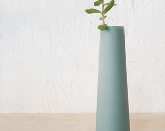 single flower vase, ceramic bud vase,  Scandinavian modern home decor, minimalist vase, Scandinavian ceramics and pottery, colorful vases