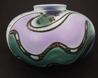 Beautiful vintage vase / Bay / 690 16 | West German Pottery | 60s