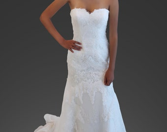 Holly Wedding Dress Strapless Lace