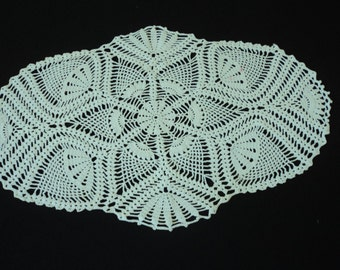 Vintage French hand crochet white cotton doily (02722)