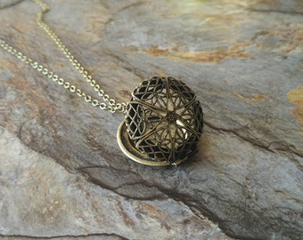 Vintage style filigree locket necklace,hollow locket necklace