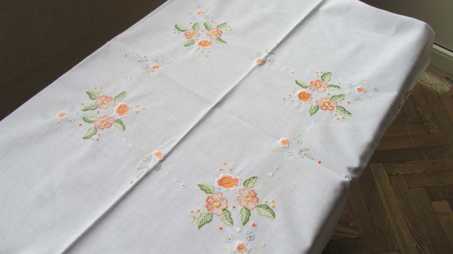 Shabby Vintage Red flowers White Cotton Table Cloth. Silk threads, curvy edges,