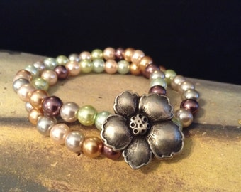 Glass Pearl Stretch Bracelet!  Item B118