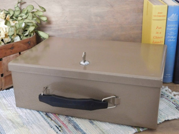 Fireproof Strong Box Metal Lock Box With Key Fireproof Safe